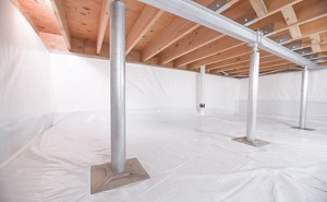 Crawl space structural support jacks installed in Winamac